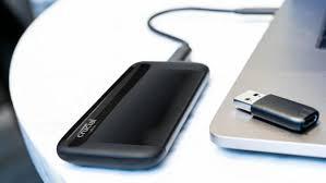 Crucial X8 1TB Portable SSD 2.5